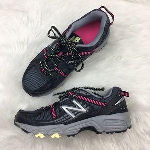 New Balance   Black & Pink Trail Running Shoes 8.5